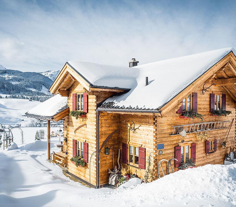 Blockhaus bauen tiroler blockhaus blockhausbau for Traditionelles tiroler haus