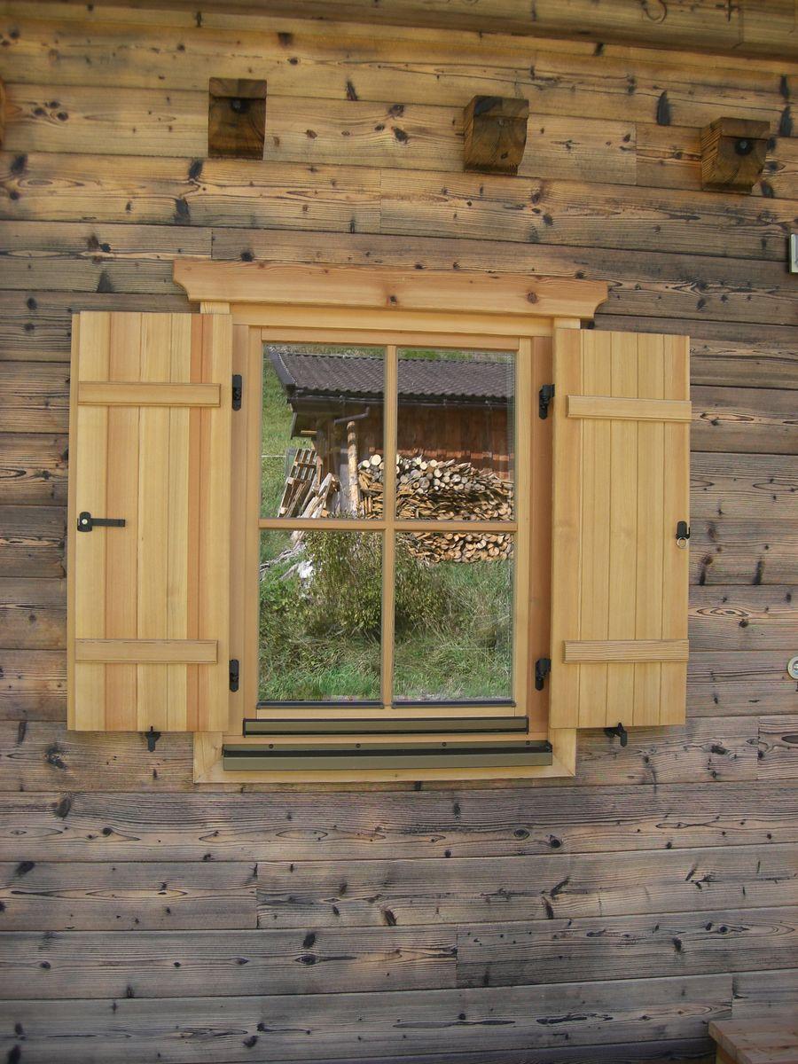 Tiroler blockhaus aus fichtenblock gefertigt for Traditionelles tiroler haus